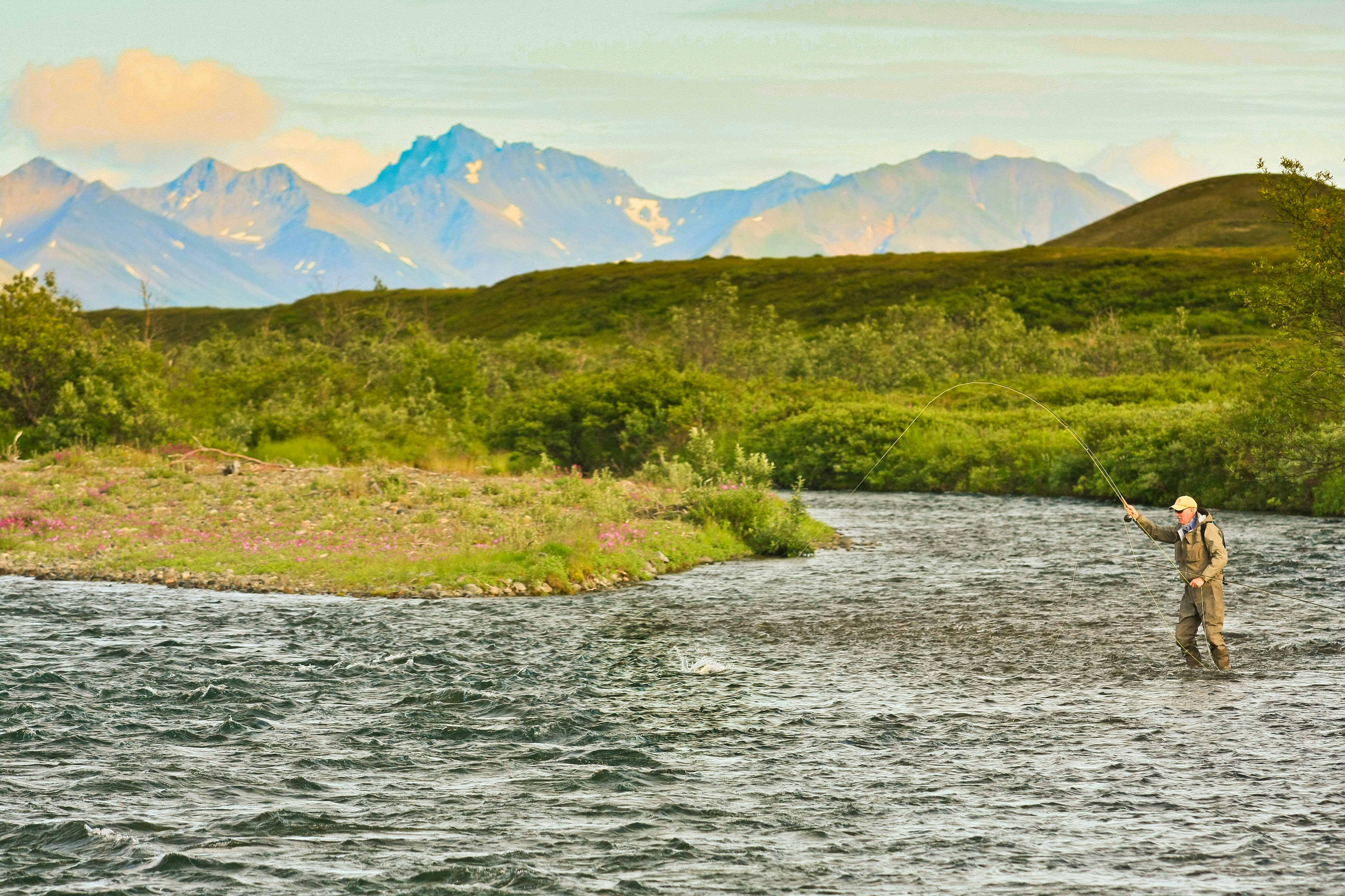 Frontier river guides rivers rates alaska raft fly for Fly fishing vacation packages